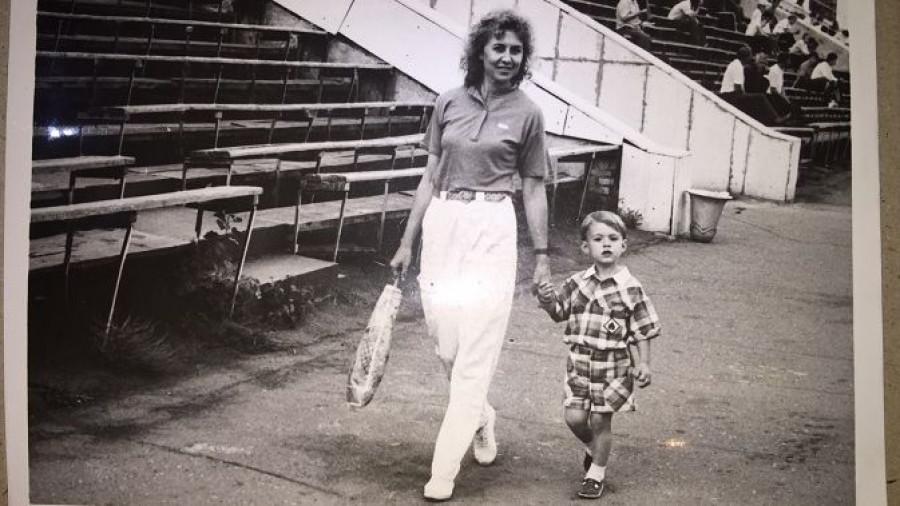 Сергей Шубенков с мамой.