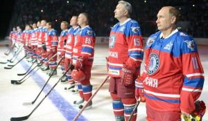 Путин сыграл в хоккей в свой день рождения.