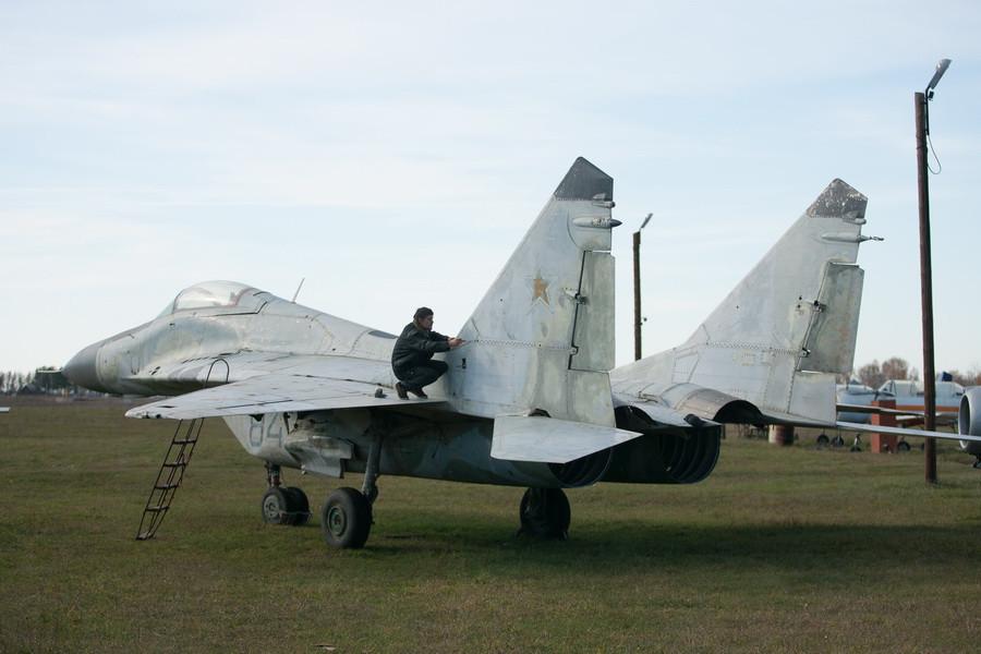 """МиГ-29 в Музее авиации на аэродроме """"Лесной""""."""