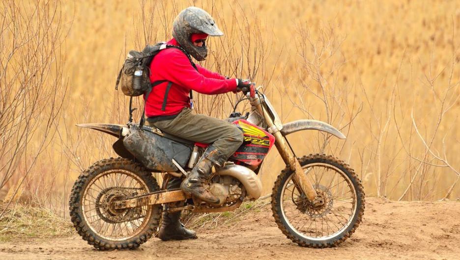 Мотоцикл, мотоциклист.