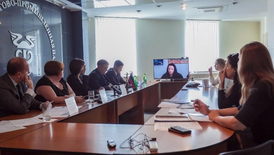 Новосибирская область делится опытом в сфере информатизации.