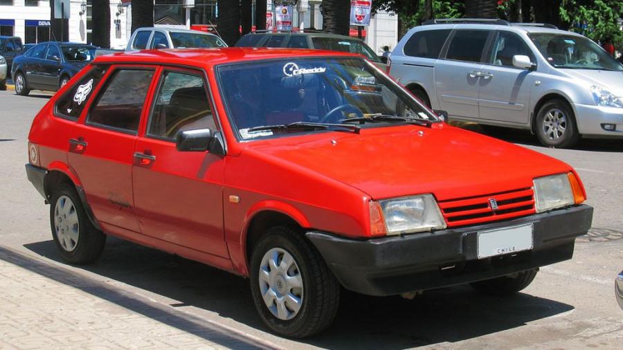 ВАЗ-2109.