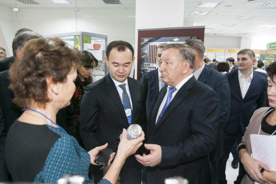 """Торгово-продовольственная выставка """"АлтайПродМаркет""""."""