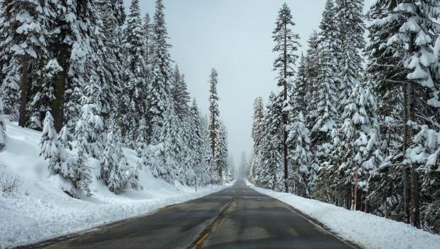 Трасса, снег.