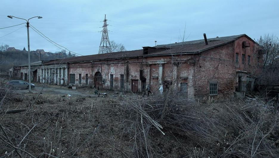 Субботник на сереброплавильном заводе.