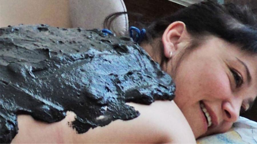 Лечение грязями Мертвого моря.