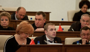 Александр Молотов (внизу в центре), Андрей Щукин (вверху в центре).