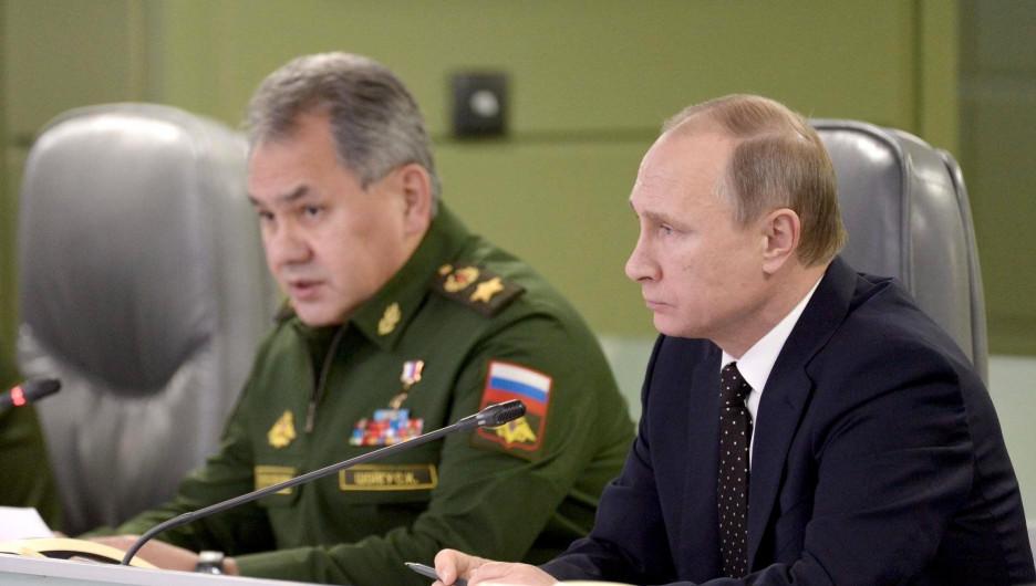 Шойгу и Путин на совещание о действиях ВС России в Сирии.