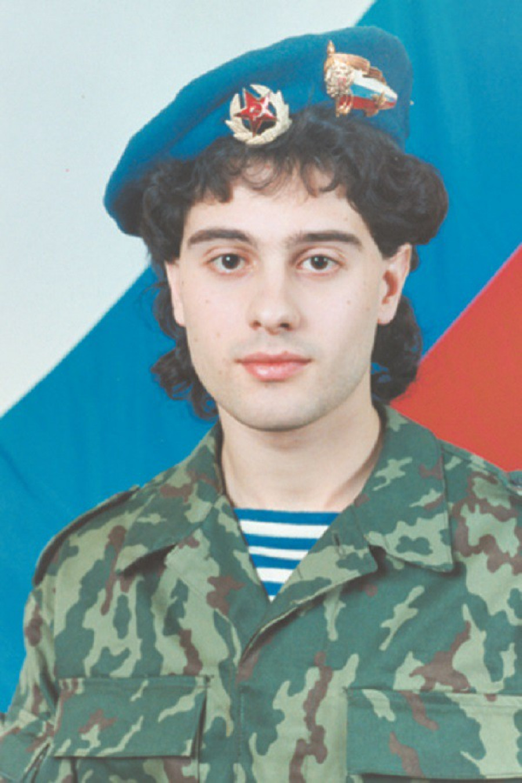 Антон Макарский.