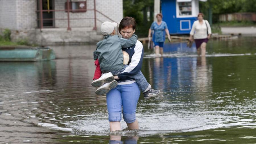 Паводок. Затопленные улицы.