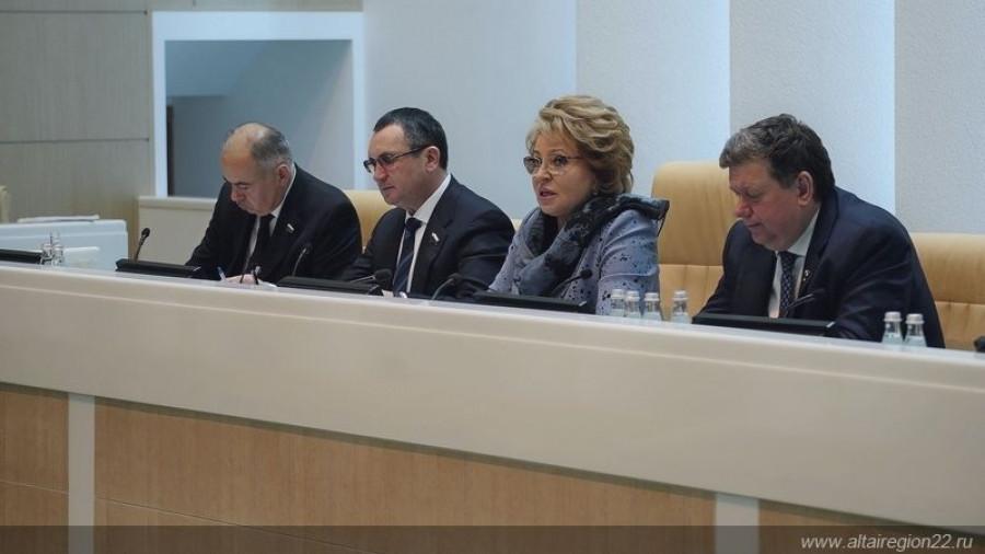 Валентина Матвиенко: Россия раньше других стран выйдет из ковидных ограничений