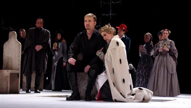 """""""Гамлет"""" в театре драмы."""