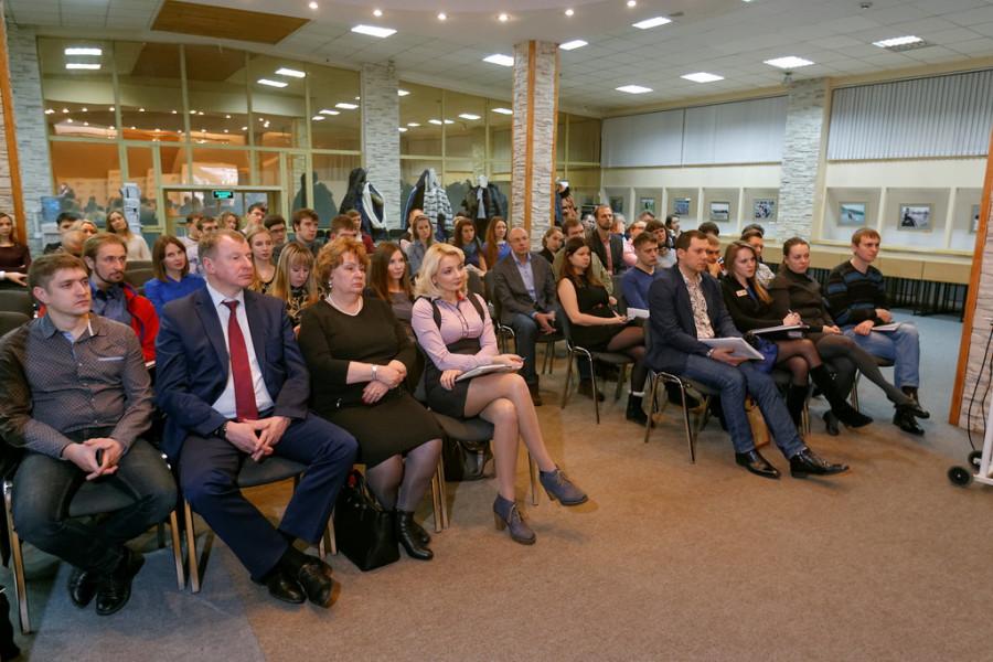 Нодар Шония встретился с молодыми предпринимателями.