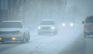 Метель. Автомобили зимой.