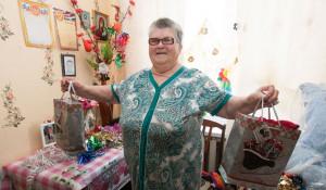 В доме престарелых в селе Целинном получили новогодние подарки из Москвы.