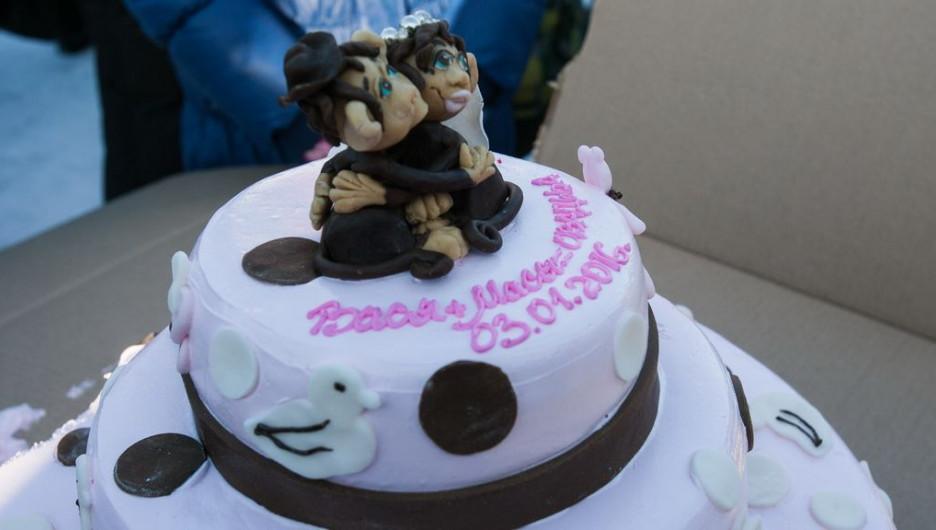 В Барнауле состоялась свадьба макак.