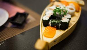 Японская кухня, роллы.