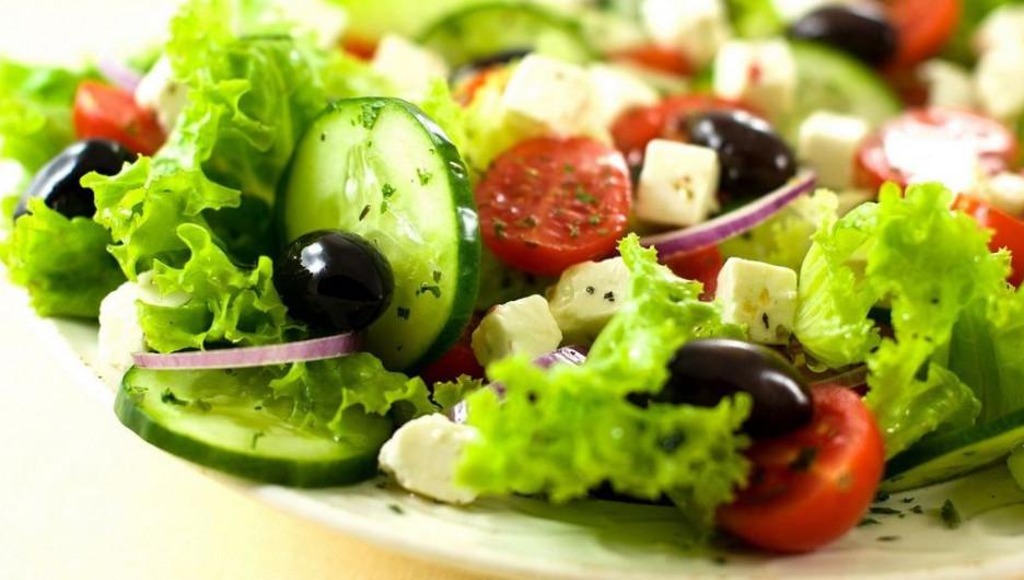 Салат из свежих овощей.