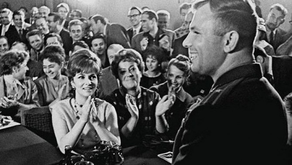 Юрий Гагарин и Джина Лоллобриджида, Москва, 1961 год