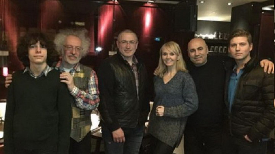 Фото в лондонском ресторане.