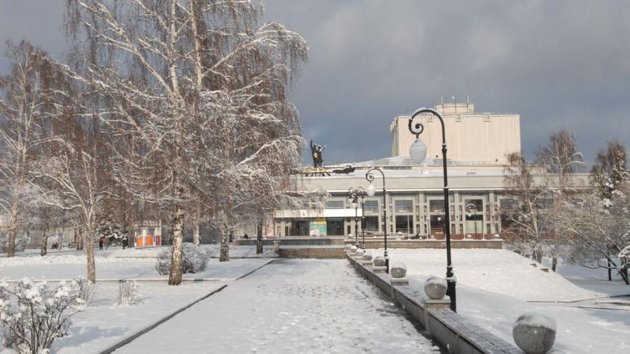 Зима в Барнауле. Театр драмы.