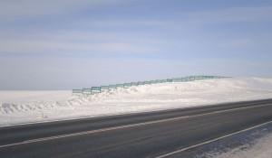 Снег на Алтае. Снегозадерживающие барьеры.