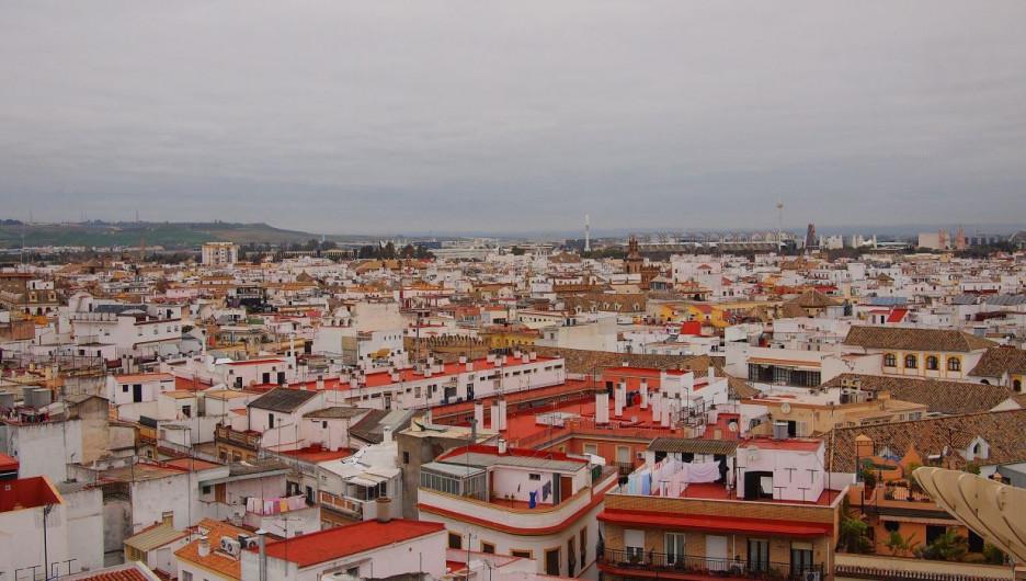 Испания. Европа. Крыши города.