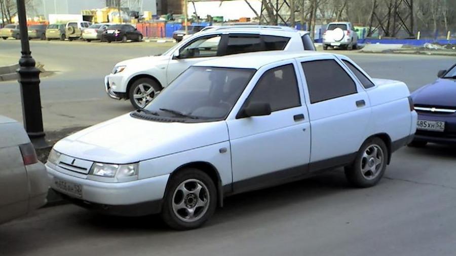 ВАЗ-2110.