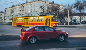 Автомобили. Трамвай.