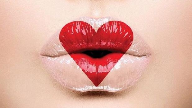 Делаем красивые губы.