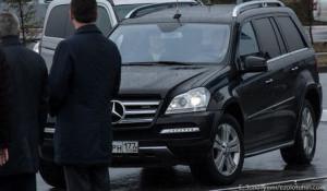"Дмитрий Медведев за рулем ""Мерседеса"" в Новокузнецке."