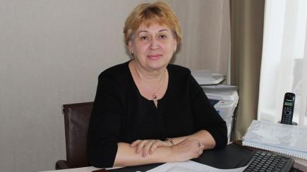 Елена Вирбицкас, директор бийской СОШ №20.