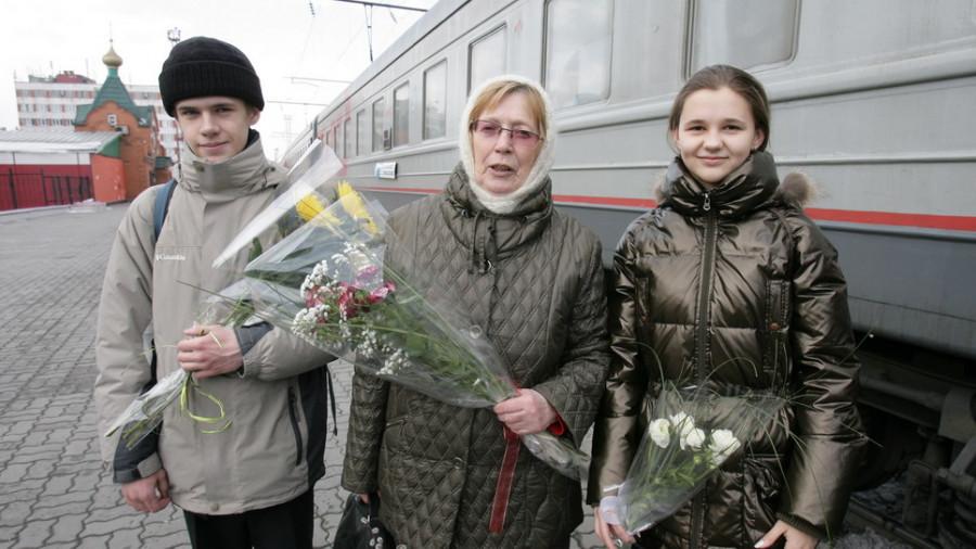 Раиса Коркина, учительница химии барнаульской гимназии № 22, и ее воспитанники вернулись с победой в Барнаул.