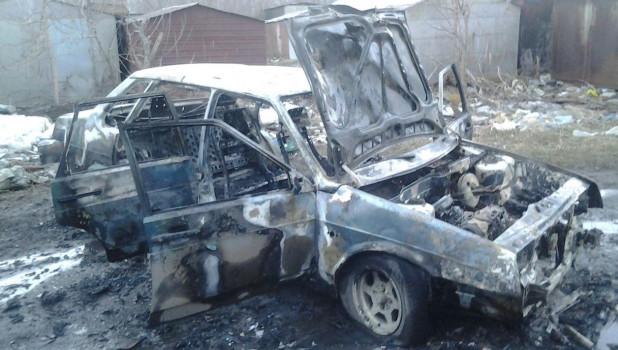 9 апреля в Барнауле сгорел автомобиль.