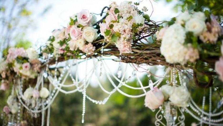 В Белокурихе проводят шикарные выездные свадьбы.