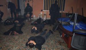 """В Барнауле полиция """"накрыла"""" подпольное казино."""