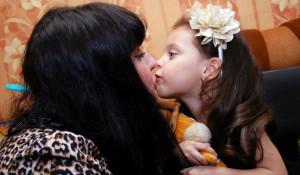 Виктория Измайлова с дочерью.