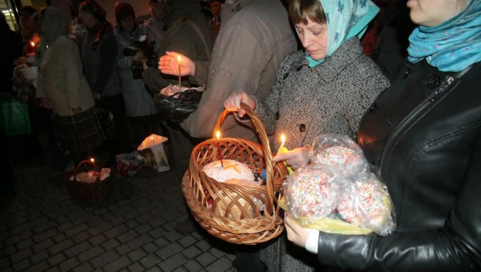 Пасхальное богослужение в Барнауле 1 мая 2016 года.