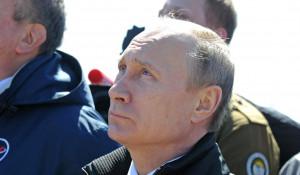 """Владимир Путин на космодроме """"Восточный""""."""
