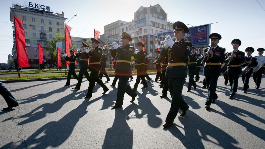 Парад Победы в Барнауле 9 мая 2016 года.