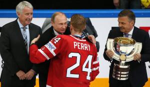Владимир Путин посетил финальный матч чемпионата мира по хоккею.