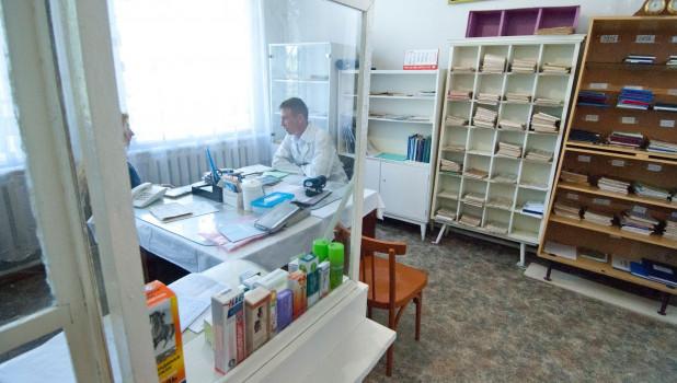 Фельдшер Артем Саунин - супергерой в селе Хлопуново Шипуновского района.