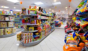 Где в Барнауле можно купить игрушки по оптовым ценам.