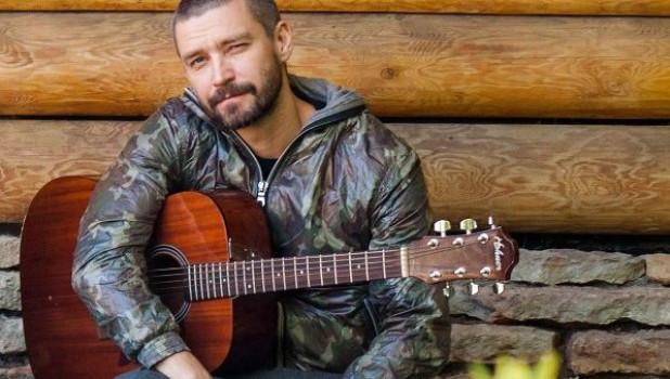 Владимир Кристовкий, солист группы Uma2rman.