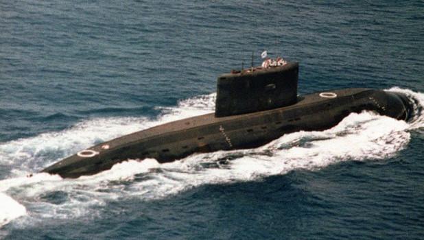 Дизель-электрическая подводная лодка.