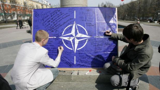 """В Госдуме предостерегли НАТО: агрессия в отношении Крыма закончится """"получением по зубам"""""""