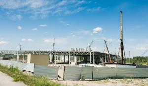 """Строительство """"Леруа Мерлен"""" по левой стороне Правобережного тракта."""