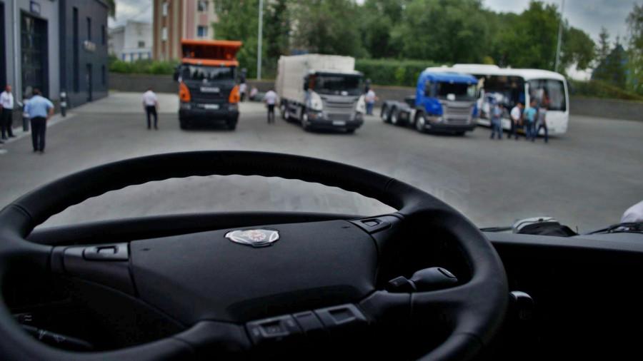 Участники автопробега на грузовиках Sсania доехали до Барнаула
