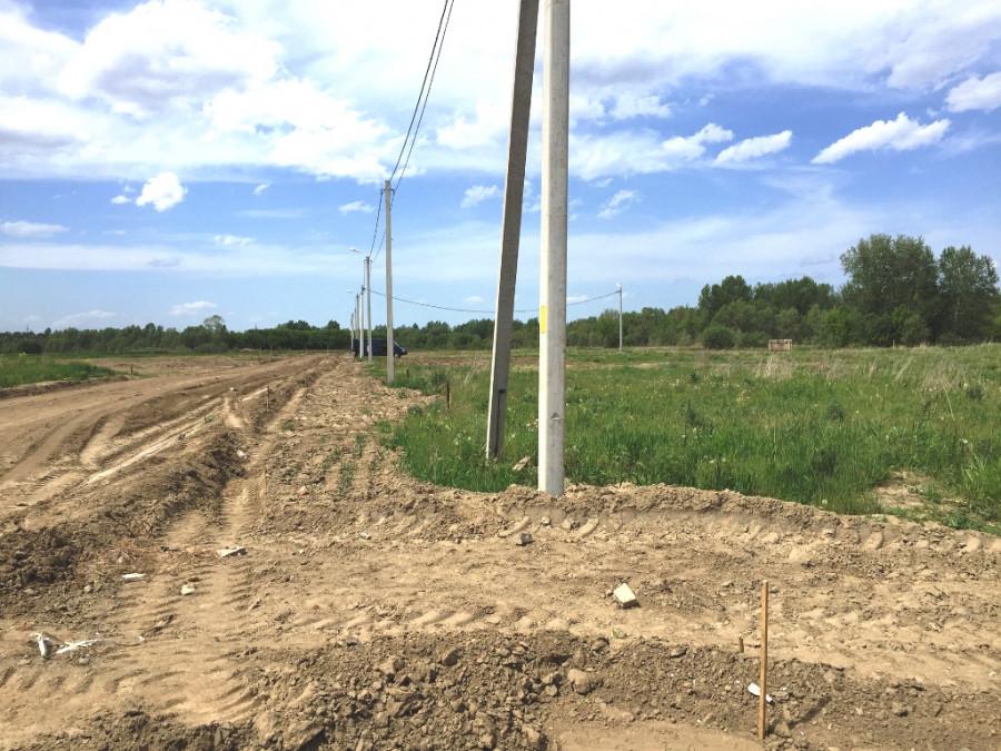 Поселок в Первомайском районе.
