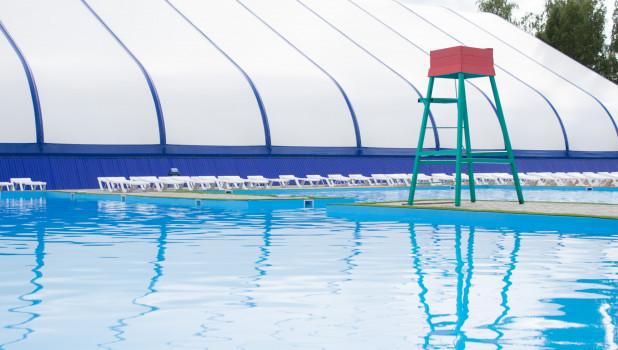 В Барнауле открывается первый полноценный бассейн под открытым небом.